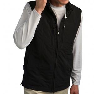 Post image for SeV Travel Vest: A Wearable Carry-On Bag